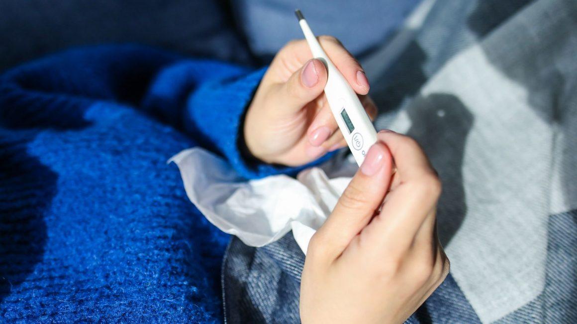 Quando procurar auxílio médico em casos de febre?